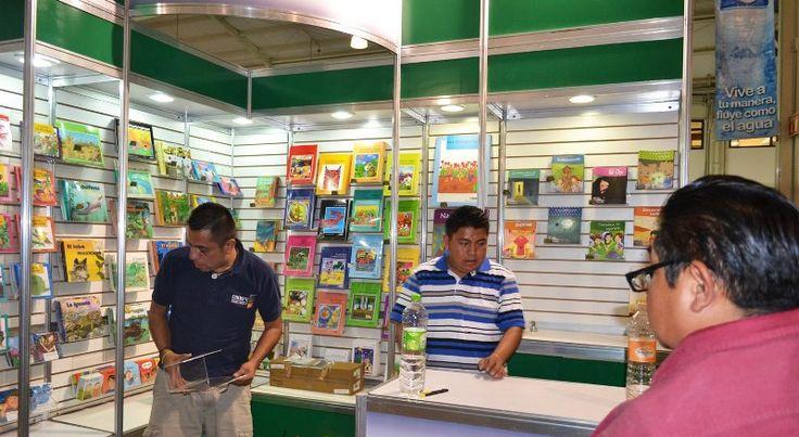 Participa CONAFE en la XXXVI Feria Internacional del Libro del Palacio de Minería