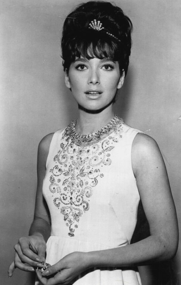 "Suzanne Pleshette   The Chrysler Theater - Episode ""Corridor 400"" (1971)"