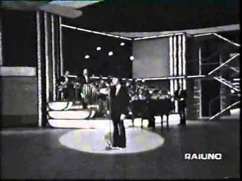 Peppino Gagliardi - come le viole (1972) live.mp4