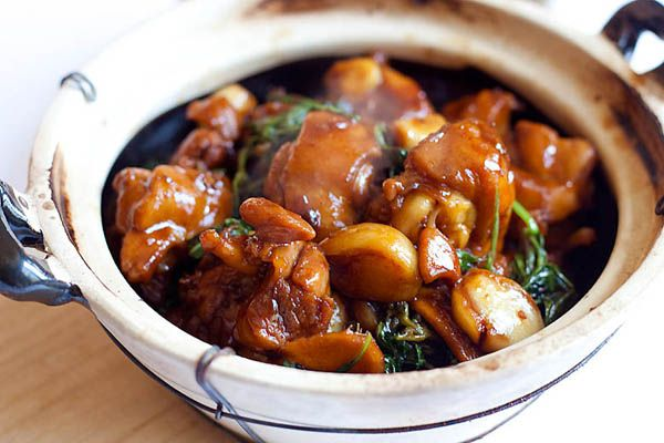 Three cup chicken - easy and authentic three cup chicken (san bei ji) recipe that anyone can make at home. So homey, delicious and takes 20 mins to make!!