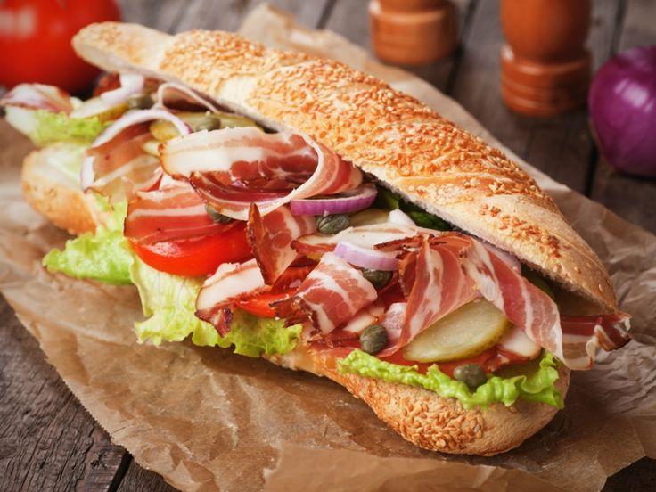Street Food: Όλα τα μέρη στην Αθήνα με το πιο γκουρμέ φαγητό του δρόμου