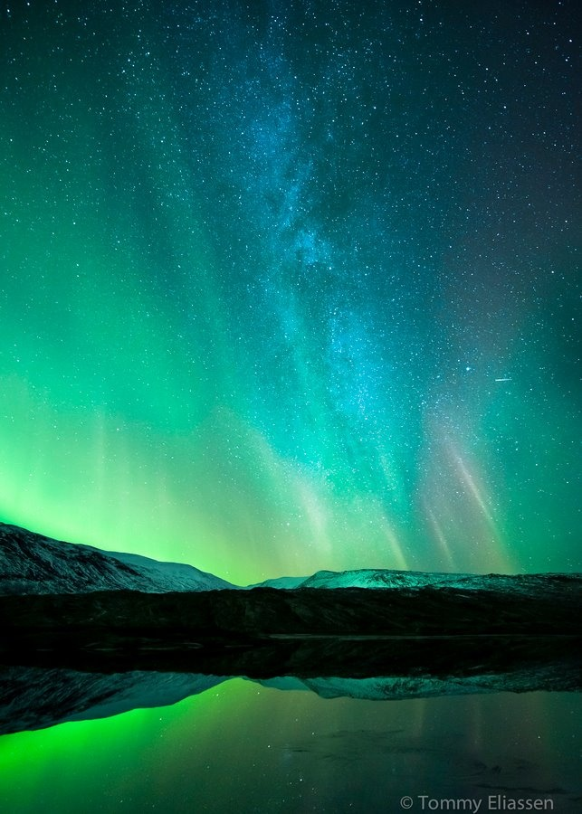 The milky way, northern lights and a small meteor shining Over Norway Copy credit : Tommy Eliassen ☮k☮ #Norge