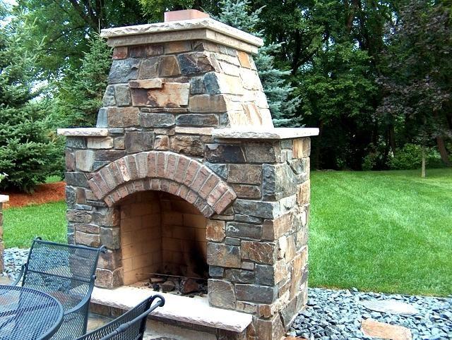 Уличный камин из камня
