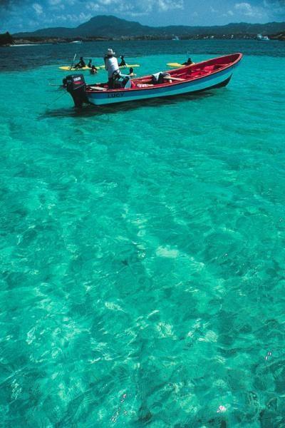 C- Saintoise ou canot saintois- Guadeloupe