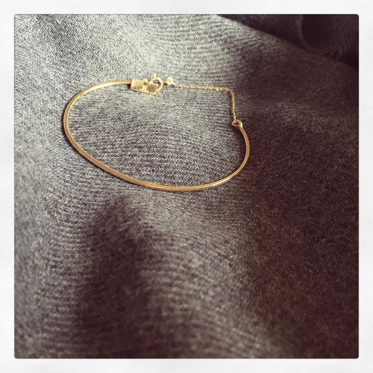 Minimal gold bracelet - Lorentz&Co.  www.lorentzandco.com