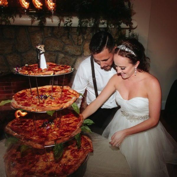 Pizza Wedding Reception Ideas: 17 Best Ideas About Pizza Wedding On Pinterest