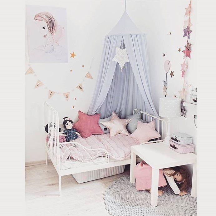 Beautiful 💕 by @z_rozowego_wieszaczka #love #boysroom #gutterom #girlsroom #jenterom #interiør #inspo #barnerom #barneinteriør #barneinspo #barneromsinteriør #gravid #nyfødt #newborn #babyroom #barsel #mammaperm #mammalivet #småbarnsliv #interior #kidsinspo #kidsinterior #kidsdecor #nursery #nurserydecor #barnrum