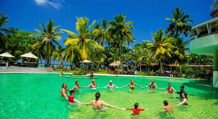 Курортный #отель Eden Resort & Spa расположен на западном побережье Шри-Ланки, в 3 минутах ходьбы от пляжа,  в 96 км от международного аэропорта Коломбо Бандаранаике.  К услугам гостей отеля Eden Resort & Spa просторные номера, открытый бассейн, аюрведический центр и 3 ресторана. Wi-Fi — бесплатный. #путешествия  В отеле: 158 номеров. В роскошных номерах: кондиционер, спутниковое телевидение, мини-бар, ванная комната с душем и ванной, фен, сейф, вентилятор, телефон. #отель