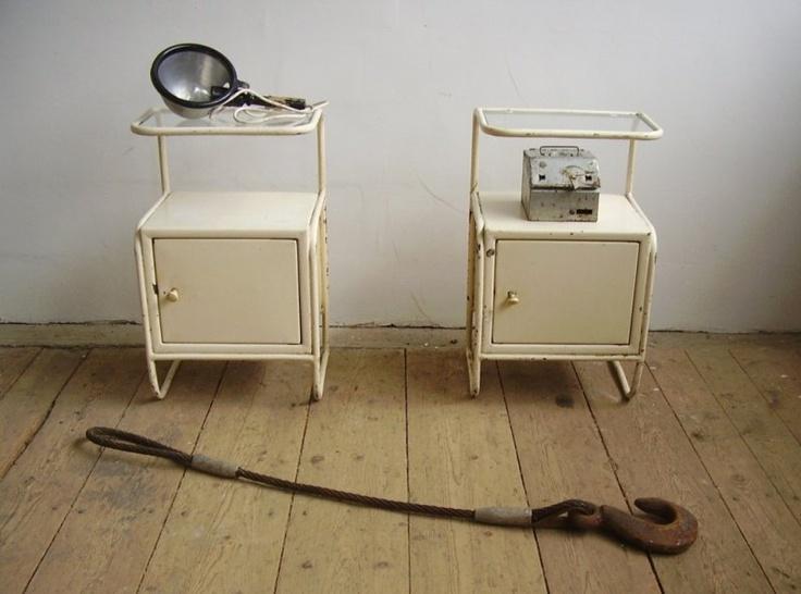 Originale sygehussengeborde fra 30'erne. Se mere på http://norubbish.dk/2012/08/artkraft/