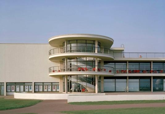 De La Warr Pavilion by Mendelsohn