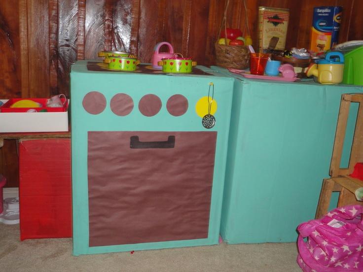 cocina hecha con cajas....y con mucho amor!!!