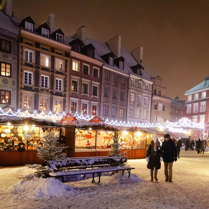 Christmas Market in the Old Town Square Warsaw, Poland