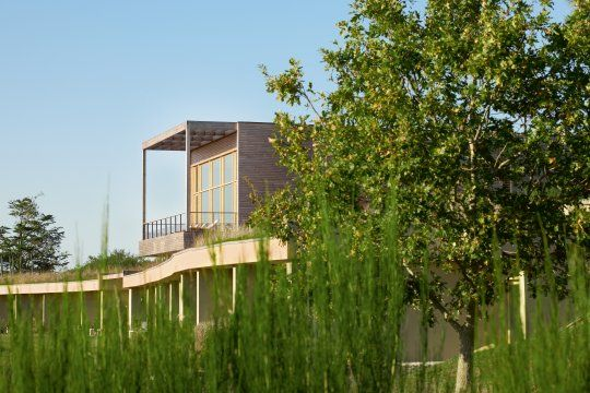 Perchée sur les hauteurs de La Gacilly (56), La Grée des Landes, Eco-Hôtel Spa Yves Rocher, marie judicieusement bien-être et écologie. Découverte d'un lieu détente en pleine nature, idéal pour se ressourcer le temps d'un week-end.