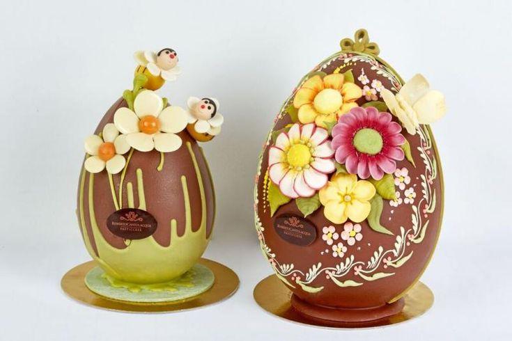 Durante il XXIII Simposio Tecnico AMPI, i Maestri Pasticceri hanno realizzato alcune creazioni in cioccolato a tema pasquale. L'obiettivo del Simposio Tecn