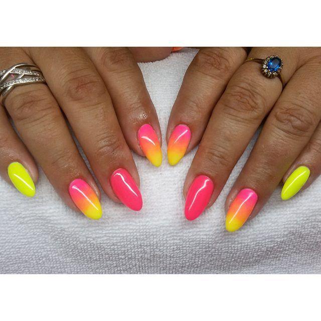 Neonki :) #semilac #diamondcosmetics #ilovesemilac #nailart #nails #hybryda…