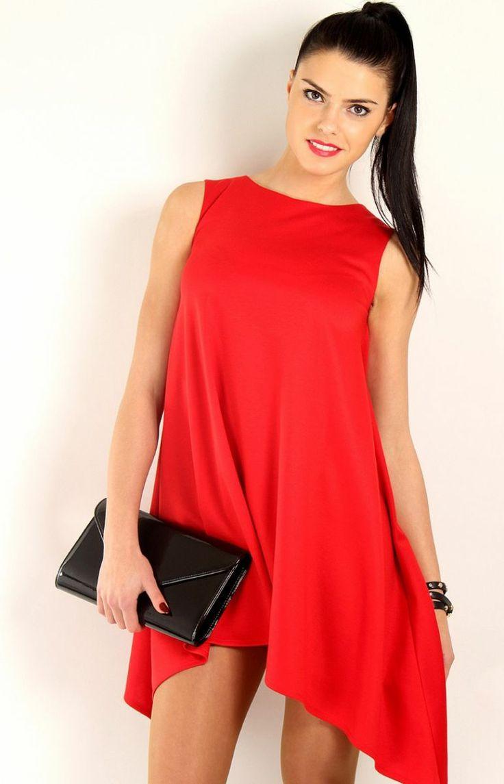 Makadamia M46 sukienka czerwona Sukienka bez rękawka, rozkloszowany, asymetryczny krój.