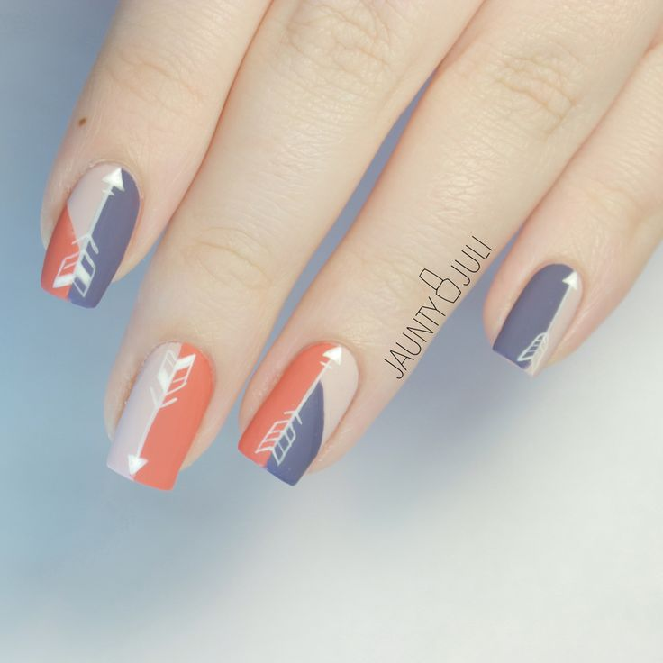 Color block arrow nails by @JauntyJuli