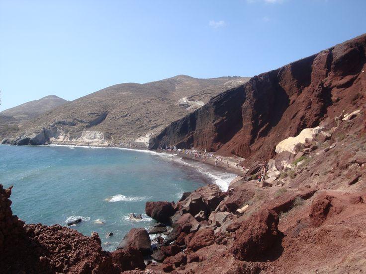 Rocky Red Вeach (η Kόκκινη Παραλία), Santorini https://arturania.com/santorini
