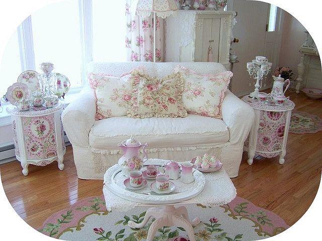 Best 20 shabby chic sofa ideas on pinterest - Lamparas estilo shabby chic ...