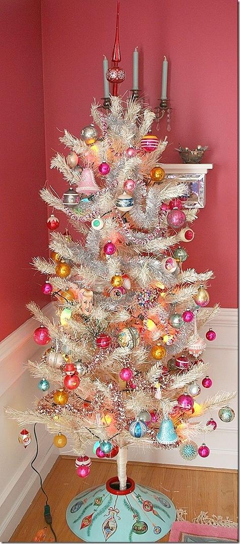 Vintage White Christmas Tree (love the base)