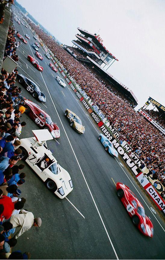 start of the 1967 24 hours of le mans sports car racing. Black Bedroom Furniture Sets. Home Design Ideas