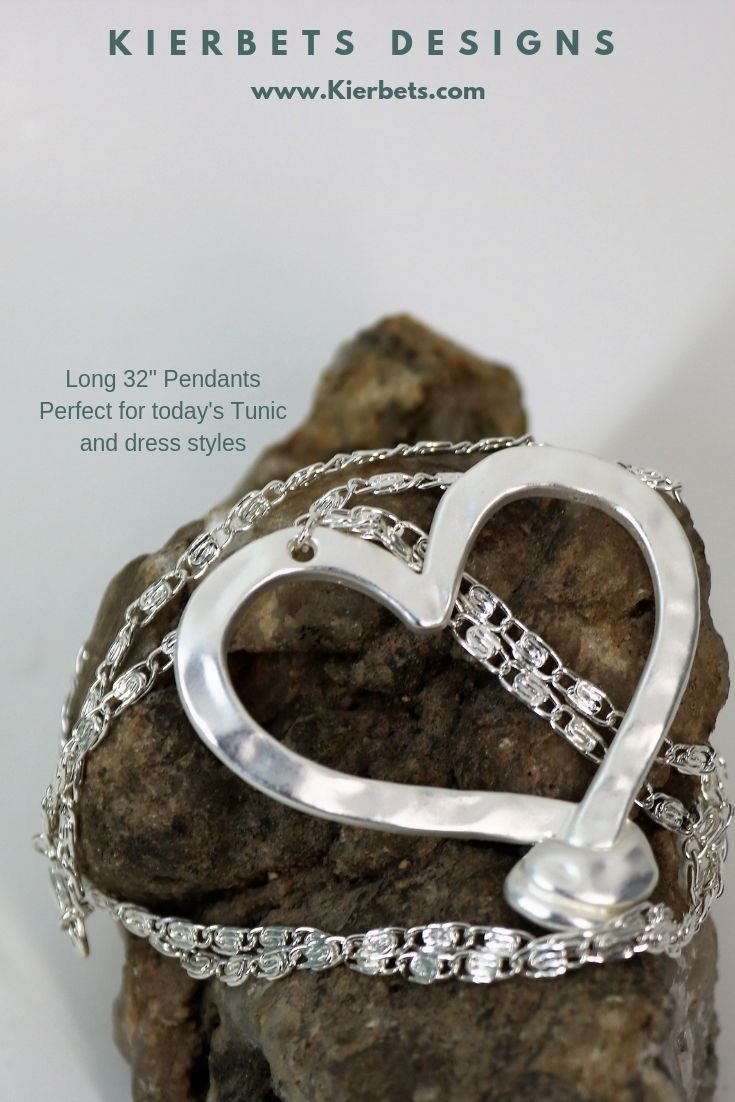 A Beautiful Knotted Bottom Open Hammered Silver Heart On A Fabulous Matching Decorative Chain This Versatile Pendant Is The Boho Style Jewelry Holiday Jewelry