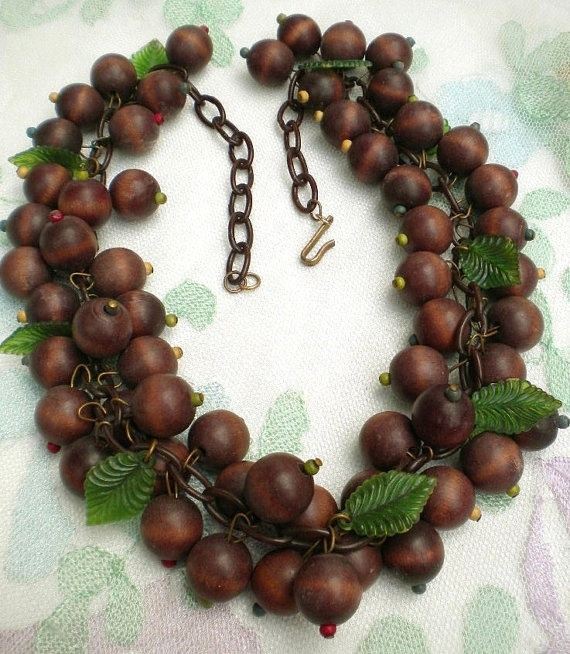 357 best images about jewelry miriam haskell on for Acorn necklace craft