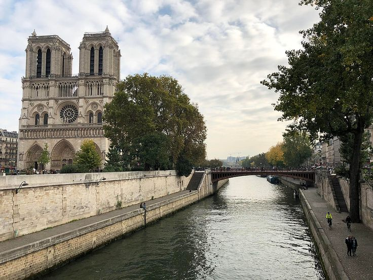 How to spend your anniversary in Paris