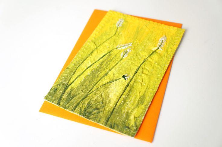 Mini tableau textile brodé format carte postale, herbes et fleurs, vert jaune blanc, enveloppe assortie