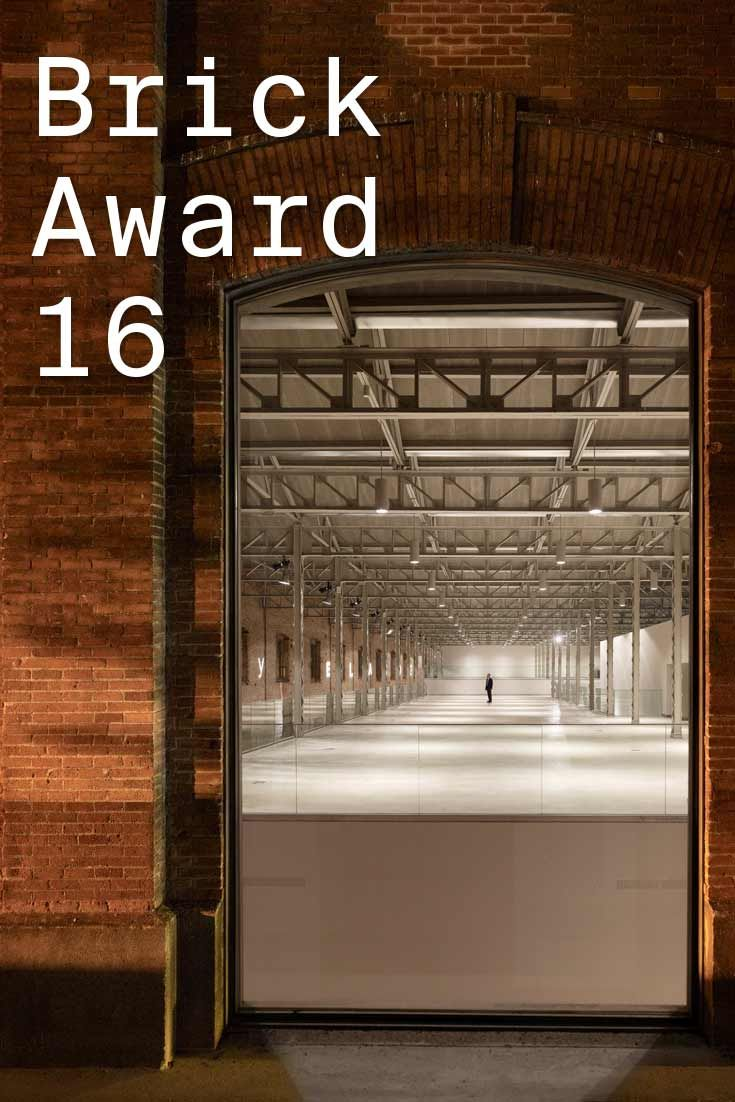 #WienerbergerBrickAward 2016 nominee 30: Daoíz y Velarde Cultural Centre, Spain by Rafael De La-Hoz, Spain. The aim of the project was to perserve the distinguished architecture of the former industrial construction, respecting the geometry and brick-built façade of the old barracks, while using a sustainable approach in regards to energy effeciency. Photographer: Alfonso Quiroga ow.ly/VUeh3