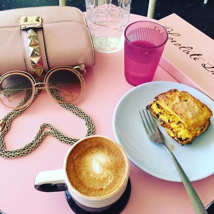 Amazing pink breakfast inspiration via @lnestyle  #feitocomamor #oreo #cenoura #doces #bolos #docedeleite #lovemyjob #coco #prestigio #feitocomcarinho #eeeeeats #nolaf00die #donuts #forkyeah #smileneworleans #neworleans #nolaeats #weekend #enjoy #raw #organic #glutenfree #sugarfree #vegan #govinda #agavesirup #cacao #love #ginger #orangewithchocolate by rockglam