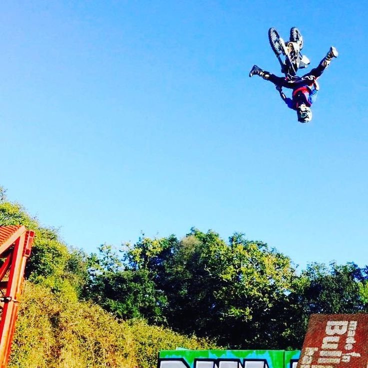 Training 😝✌️️ #pitbike #kankafmx #ride #backflip #ycfriding #ycf #ycffamily #etnies #bullpark13 #bullpark13barcelona #latinamerica #latinamericaexperience #freestyle #pitbikes #freestylepitbikeshows #riding #moto #jump #air #tattooboy #ink #lifestyle #extremsport #kankaextremsportsbcn  INSTAGRAM @kankafmx FACEBOOK page :  KANKA EXTREM SPORTS BCN