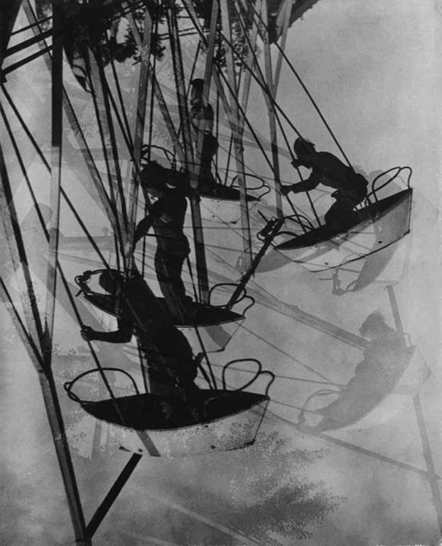 Rocking Boat (1930), Hungarian Museum of Photography (via Mai Mano).