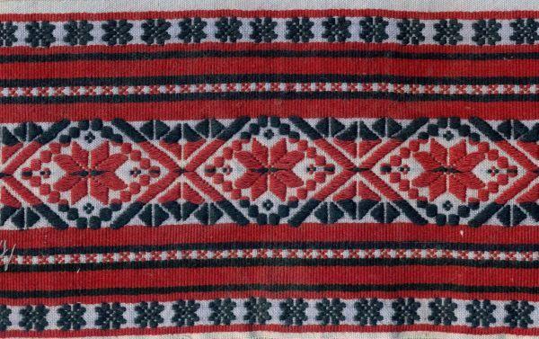Haft-perebory-strój-włodawski-pocz.XXw_.-Sosnówka-pow.Włodawa-e1441112194921.jpg (600×377)