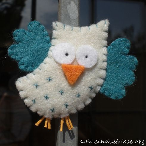 Owl- makes a cute ornament: Can't find it on her blog...Sorry!!