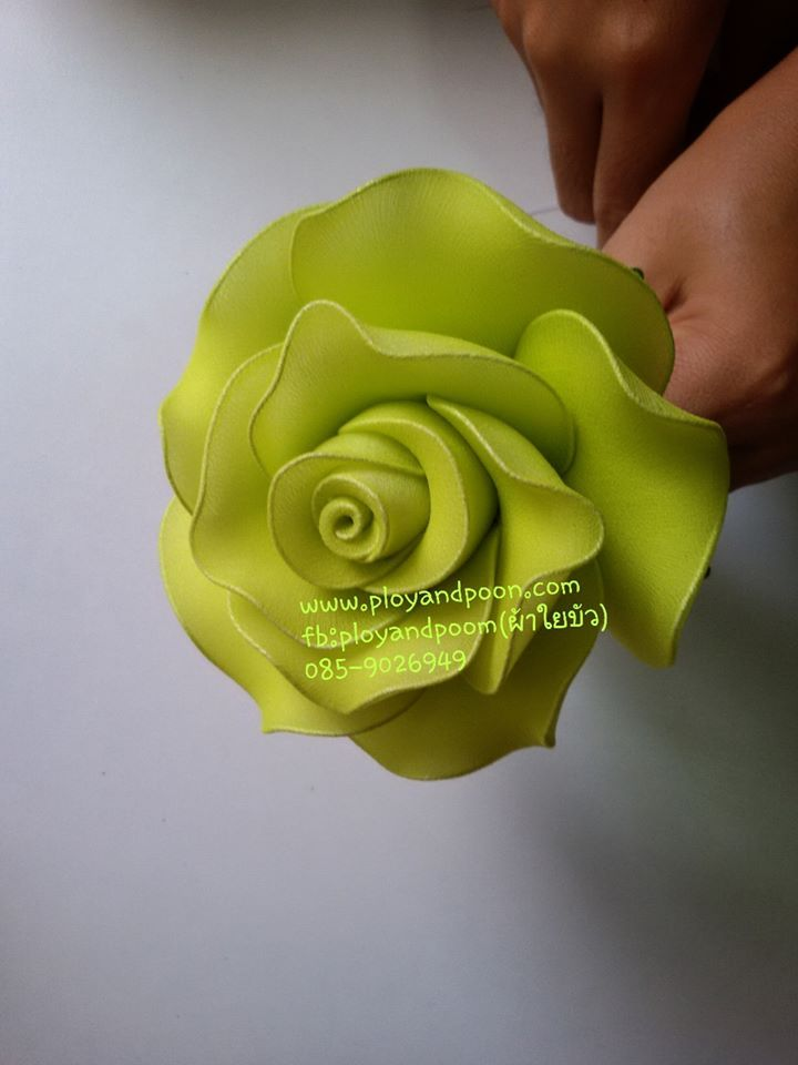 ดอกกุหลาบ ใยสังเคราะห์ by www.ployandpoom.com