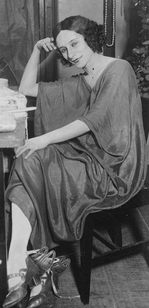 Anna Pavlova (February 12, 1881 - January 23, 1931) Russian balletdanser and philantropist (Ballet Russes).
