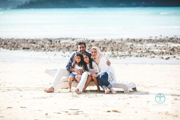 Hamilton Island Family Photographer [Beautiful Dubai Family] photography by Johanna H Studios - Johanna H Studios