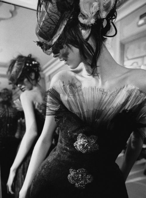 : Glamorous Dresses, Fashion Couture, Coco Chanel, Black And White, Old Styles, Fashion Blog, Dark Fashion, The Dresses, Haute Couture