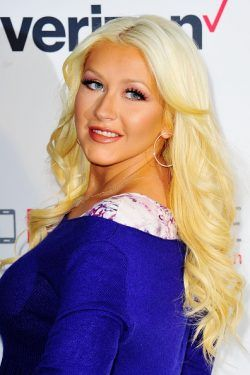 79 best hair extensions celebrities images on pinterest hair christina aguilera pulls out hair extensions litters them in public places pmusecretfo Choice Image