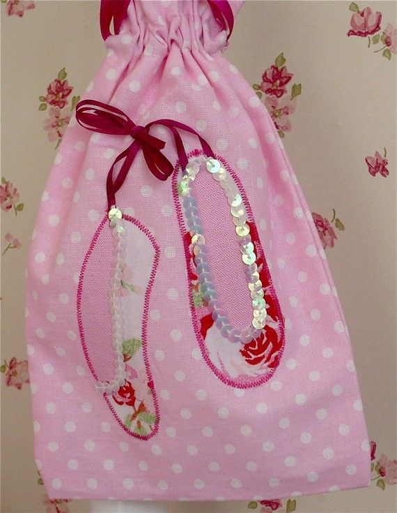 Ballet shoe bag by CandytreeDesigns on Etsy, £10.00