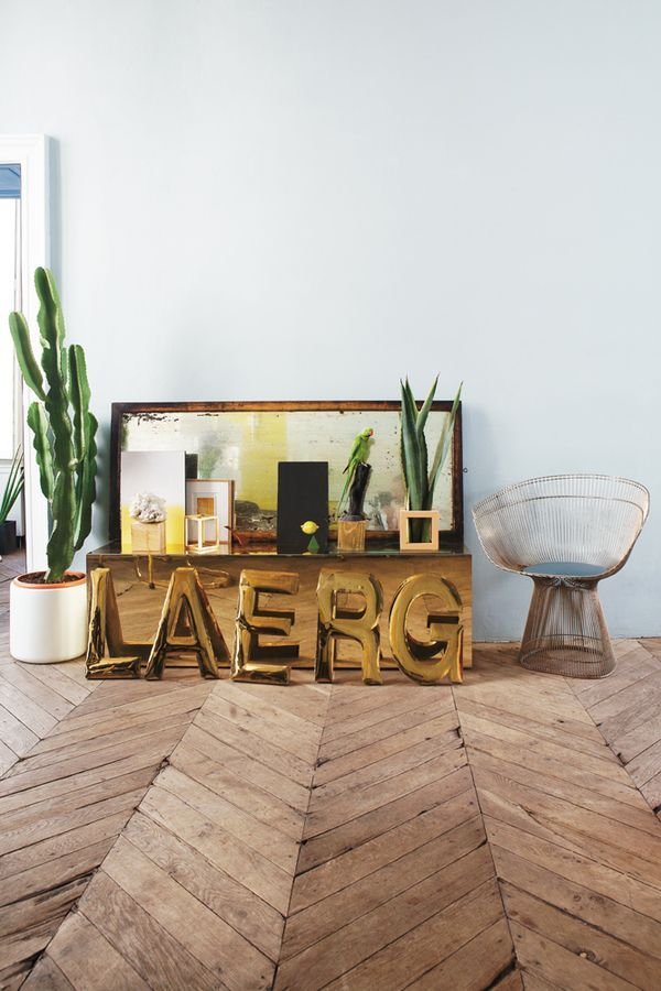 This is the space to show our favorite Men's House decoration. We chose the best decoration tips and ideas so you can add to your man's cave as well. Enjoy! http://www.RoyalFashionist.com
