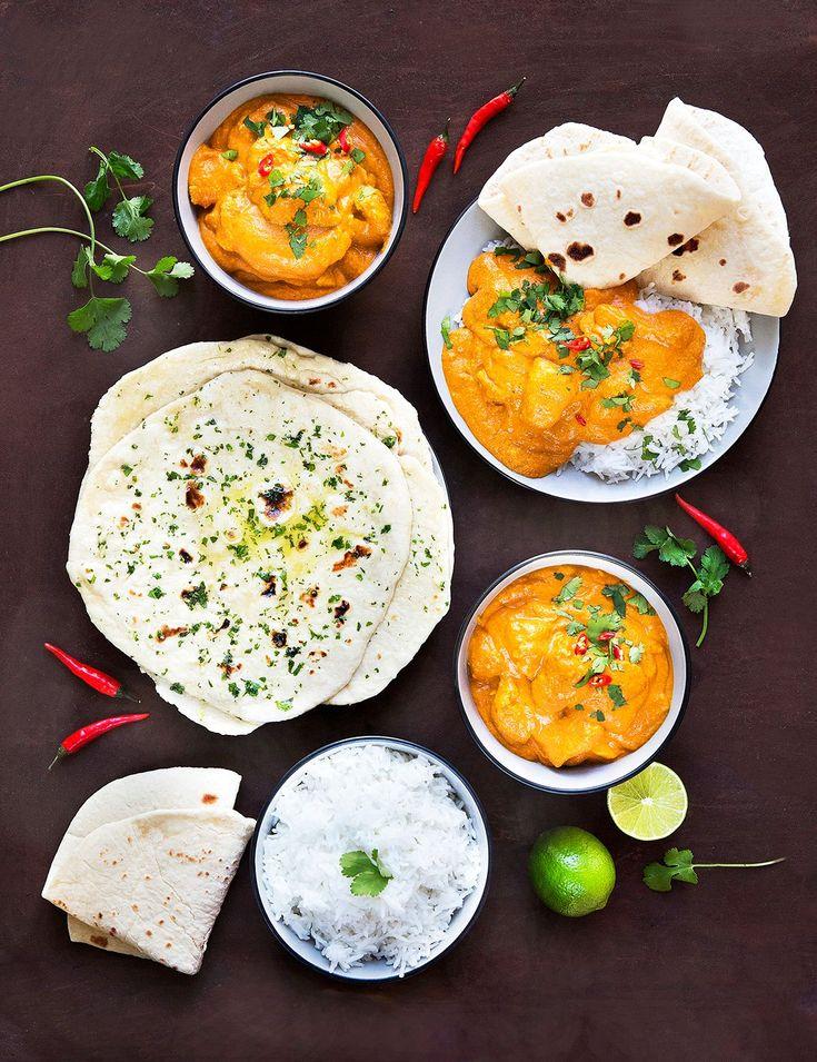 Jak podle nás vypadá dokonalé indické menu? Šťavnaté křehounké maso, voňavá krémová omáčka a jako příloha vláčné jogurtové placky. A co vy, nechali byste si taky říct?