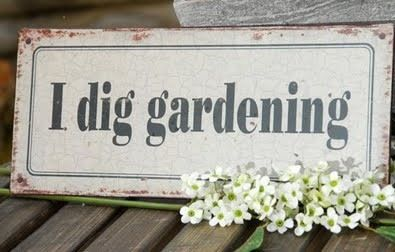 Omg, I WILL make this sign for my garden!!