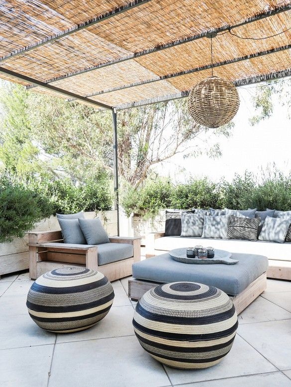Tour+an+Interior+Designer's+Ultra-Cool+Malibu+Farmhouse+via+@mydomaine