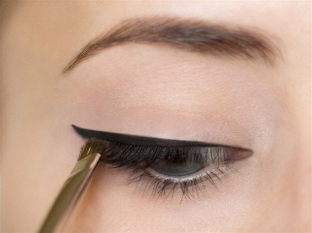 Uygun Fiyatlı Ürünlerle Günlük Makyaj  Daily Makeup Tutorial #makeup #routine #natural #wetnwild #bareitall #lipstick #chip #daily #eyeliner