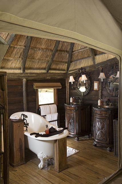 Selous Luxury Camp, Selous Game Reserve, Tanzania: Stay here with my hubby and then go on a hot air balloon safari ride to see the game preserve!!!!!!