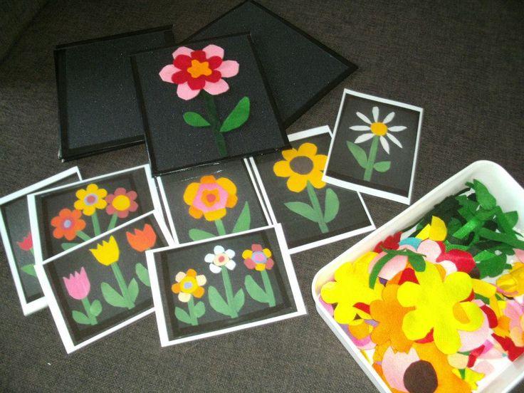 plankjes met schuurpapier, kls leggen vilten bloemen na van de kaarten