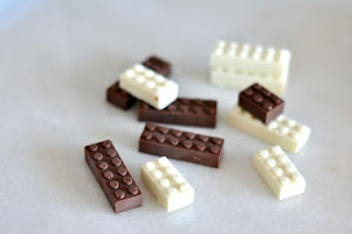 How to make molds so that you can then make lego-shaped chocolates.  Site is in Portuguese, but there are pictures.