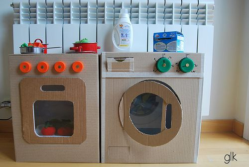 cocinita y lavadora de cartón · cardboard play kitchen and washmachine by glarmknits